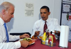 Obama And Biden Eat Lunch At Burger Place In Arlington