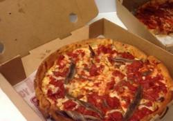 rahm-emanuel-pizza