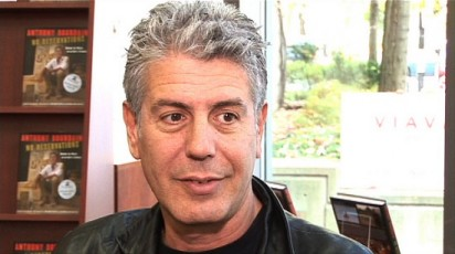 Anthony Bourdain is known for two things; traveling the world and insulting other chefs. Here's a look at Anthony Bourdain's top 5 insults to fellow celebrity chef.
