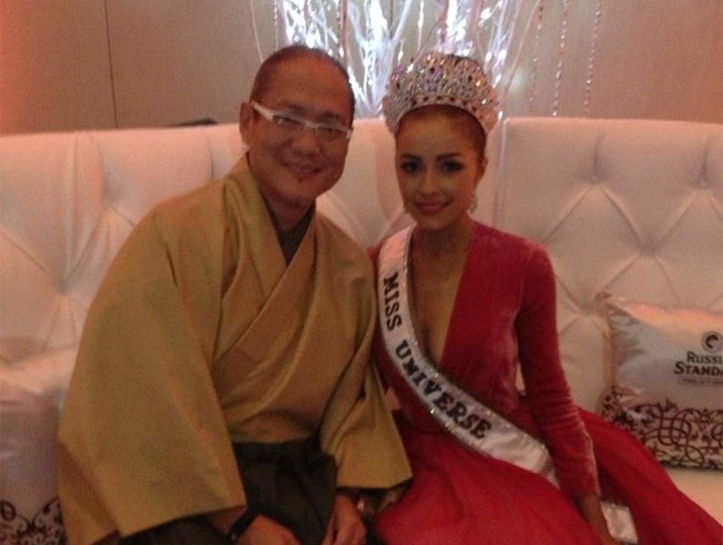 Morimoto with the new Miss Universe