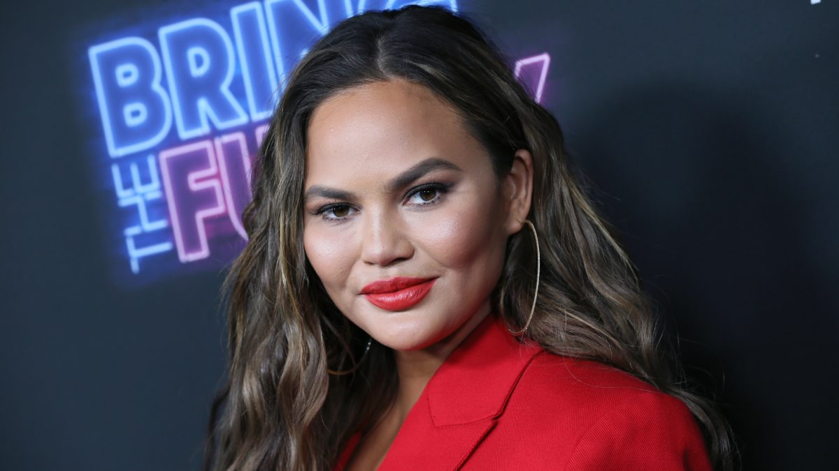 Chrissy Teigen Dunks on 'Sad and Paranoid' Ted Cruz for Whining About One of His Tweets