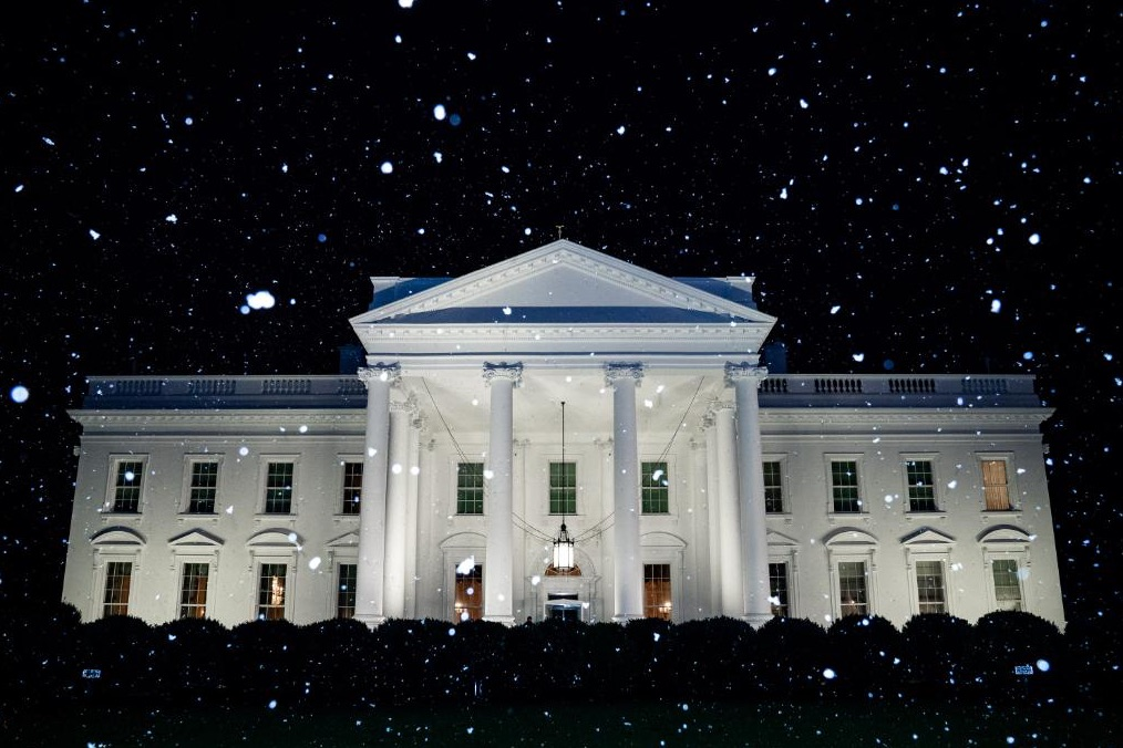 White House Confounds Everyone With Bizarre 'First Snow of the Year!' Tweet on Day DC Hits Near Record High 70F