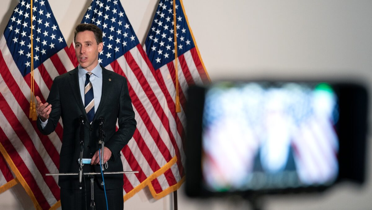 Sen. Hawley Trashes GOP Inaction on Big Tech, Looks to Force Vote: Have 'Looked the Other Way'