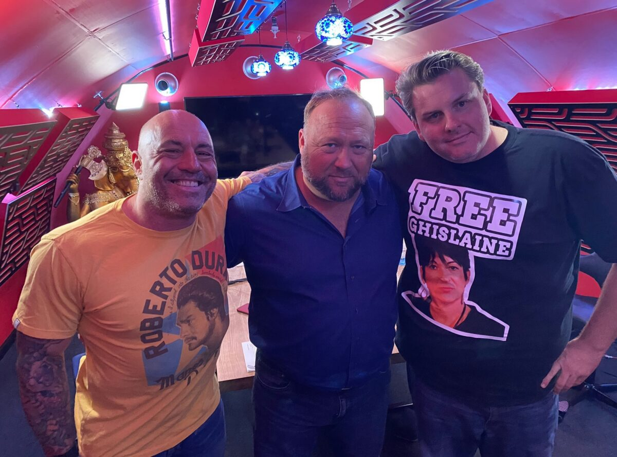 Joe Rogan Lets Alex Jones Air Vaccine Conspiracy Theories on His Show...Because, Why Not?